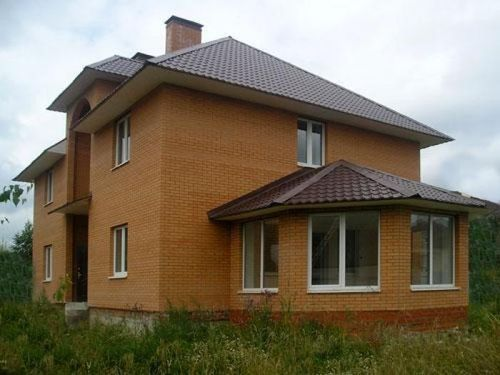 dom_iz_kirpicha_i_penoblokov_02