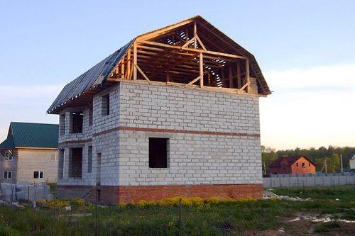 doma_iz_penoblokov_ekonom-klassa_02