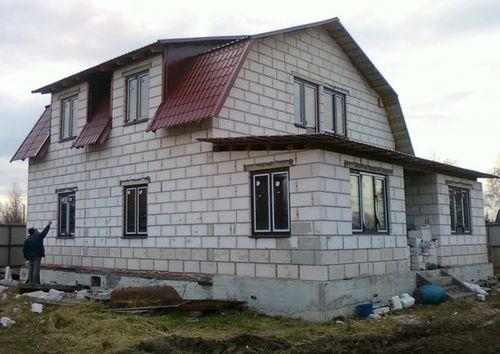 doma_iz_penoblokov_ekonom-klassa_03